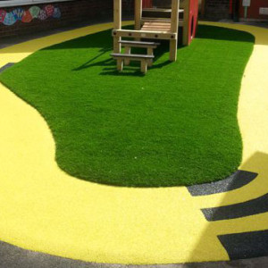 tot-track-with-artificial-turf
